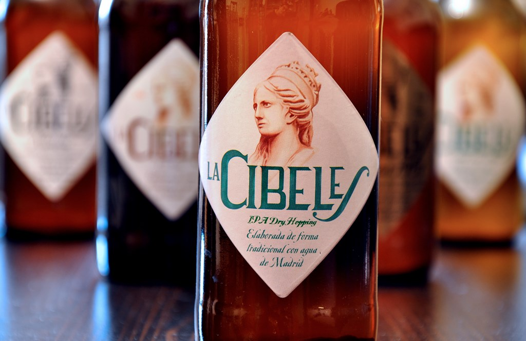 Vídeo de Cerveza La Cibeles, la 'auténtica cerveza artesana hecha con agua de Madrid'